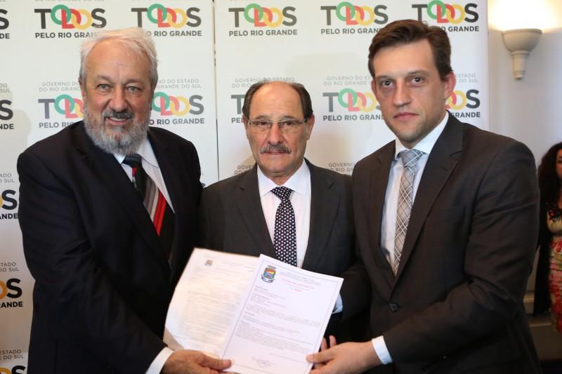 Terreno que abrigará novo presídio foi dado ao Estado pela Prefeitura, sob gestão de Guilherme Pasin (na foto, à dir.)