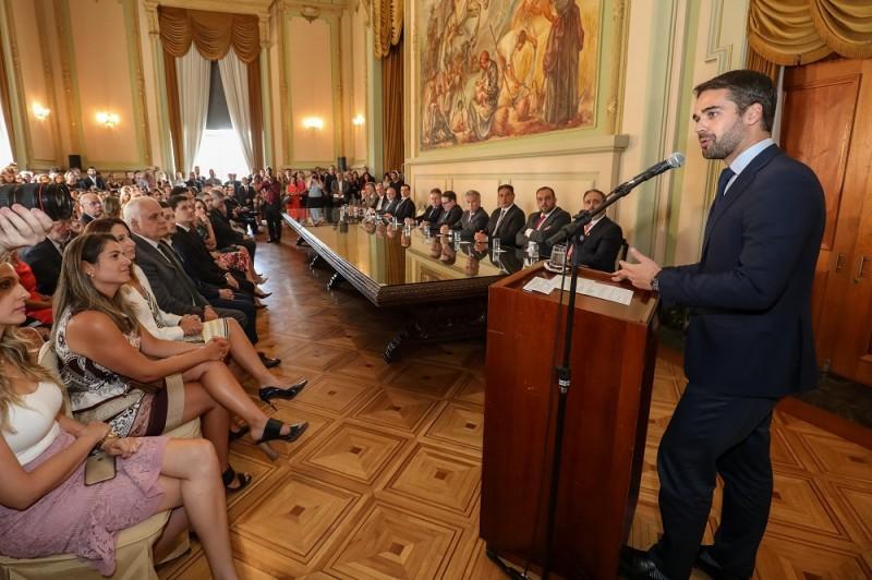 Leite ressaltou intenção de resolver problemas econômicos e sociais sem causar transtornos às próximas gestões