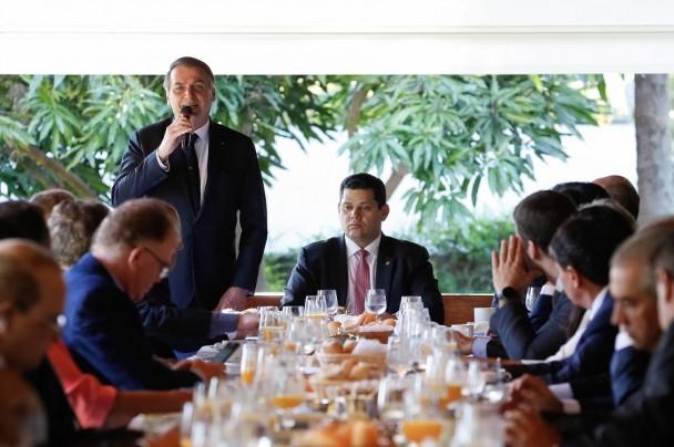 (Brasília - DF, 08/05/2019) Presidente da República, Jair Bolsonaro durante reunião com Presidente do Senado Federal, Davi Alcolumbre. Foto: Carolina Antunes/PR