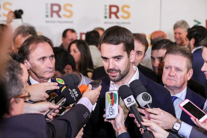 PORTO ALEGRE, RS, BRASIL, 17/06/2019 - O governador Eduardo Leite lançou, nesta segunda-feira (17/6), um pacote de investimentos em estradas, com recursos disponibilizados pelo Estado e pelo Banco Nacional de Desenvolvimento Econômico e Social (BNDES).