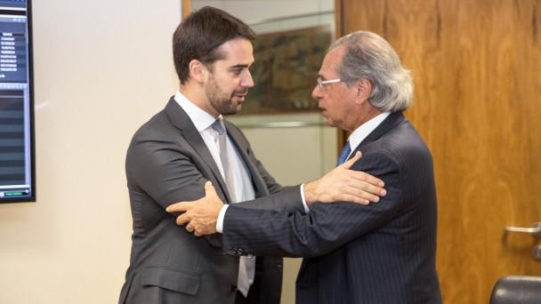 BRASÍLIA, DF, BRASIL, 10/07/2019 - Governador Eduardo Leite esteve em reunião com o ministro da Economia, Paulo Guedes. Fotos: Rodger Timm/ Palácio Piratini