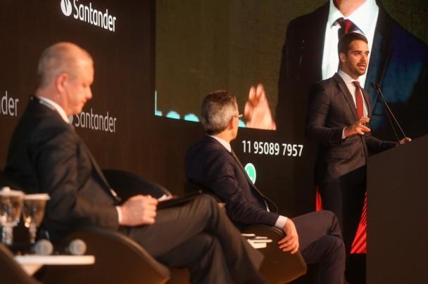 SÃO PAULO, SP, BRASIL, 12/08/2019 -  Em agenda em São Paulo nesta segunda-feira (12/8), o governador Eduardo Leite participou da abertura da 20ª Conferência Anual Santander, que reúne lideranças nacionais e mais de 400 dos principais investidores instituc