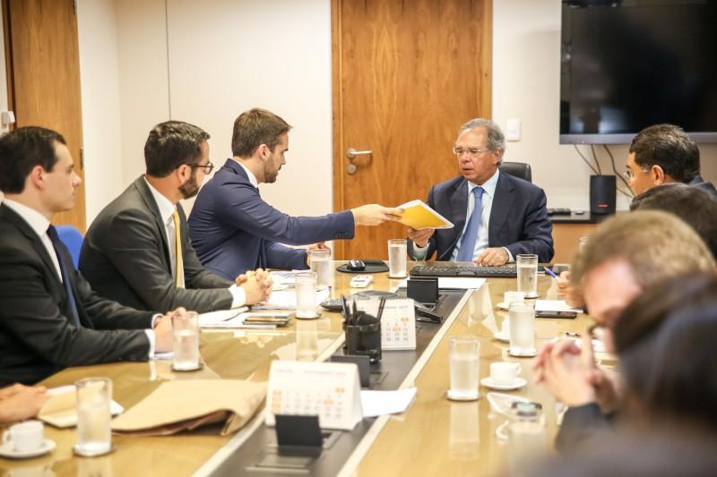 BRASÍLIA, DF, BRASIL, 23/10/2019 - Reunião com o ministro da Economia, Paulo Guedes. Fotos: Rodger Timm