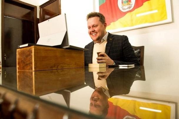 Secretário Covatti Filho crédito foto Emerson Foguinho