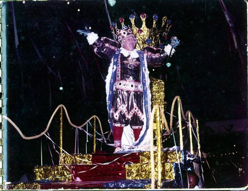 Rei Momo Vicente Rao   Carnaval de rua década de 1970   Acervo Museu Joaquim Felizardo
