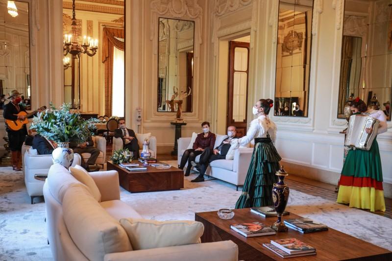 Piratini 100 anos   almoço com ex governadores