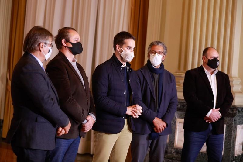 PORTO ALEGRE, RS, BRASIL, 25.5.2021. Governador Eduardo Leite grava vídeo sobre a safra da soja 2020/2021.  Foto: Itamar Aguiar/ Palácio Piratini
