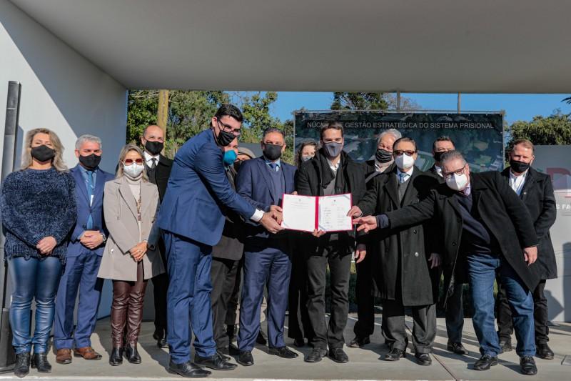 Assinatura acordo Nugesp
